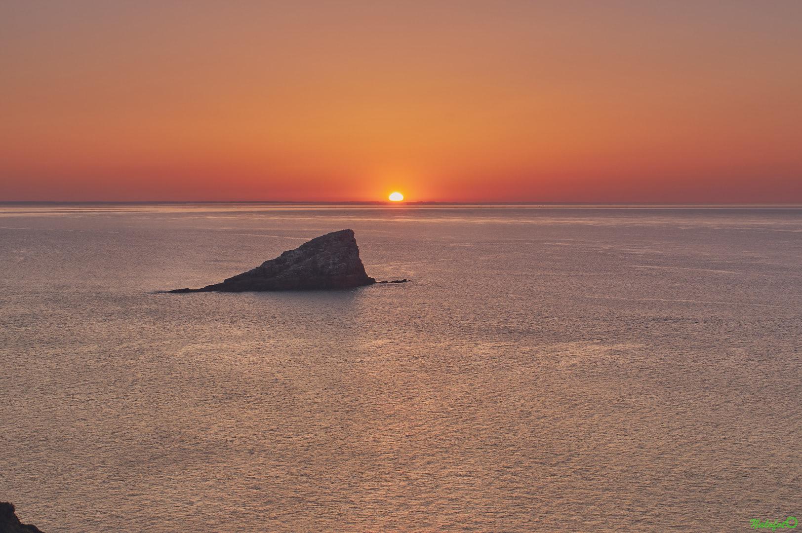 Coucher de soleil sur l'amas du Cap depuis la pointe du Cap Fréhel, l'été
