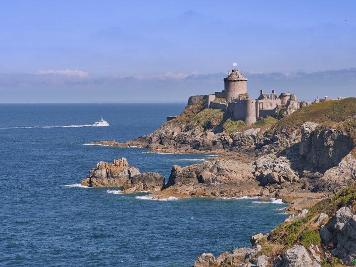 Majestueux Fort la Latte au bout de son rocher - la Roche Goyon