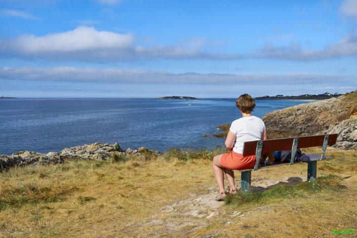 Vue sur la Manche sur le GR 34 dans le Finistère Nord près de Plouescat