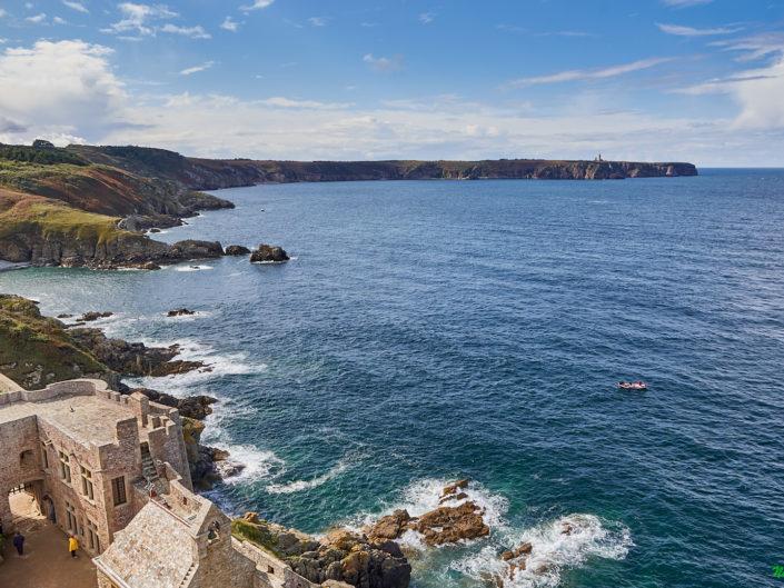 Fort la Latte : l'Anse des Sévignés vue du donjon du château - la Roche Goyon