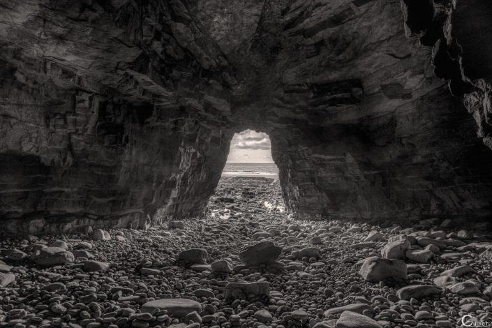 Grotte du Cap en noir et blanc