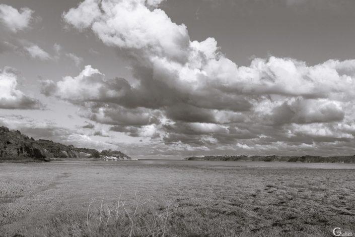 Port Nieux en noir et blanc