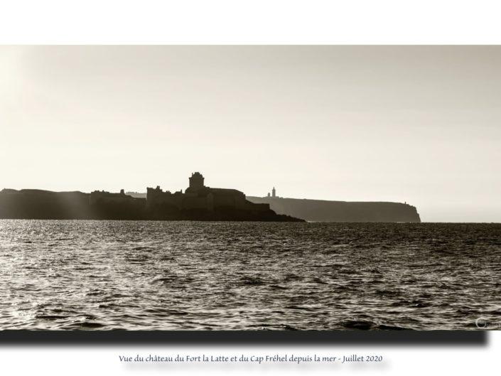 Tableau Fort La Latte et Cap Frehel en noir et blanc