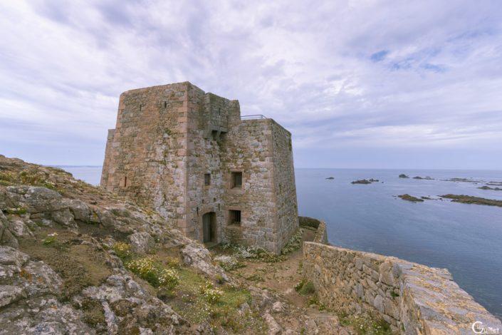 découverte des 7 iles - Fort de l'île aux Moines