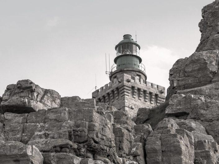 Au Cap Fréhel : un phare, des falaises, de la lande